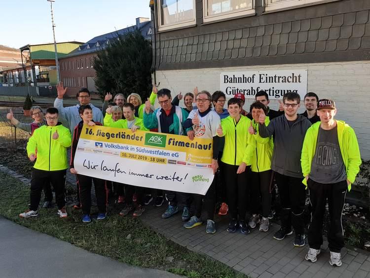 Der Lauftreff Inklusive Begegnungen freut sich schon auf die Firmenlauf-Saisoneröffnung am 10. April, um gemeinsam mit vielen anderen Firmenläufern und Freizeitsportlern am Bahnhof Eintracht zu feiern.
